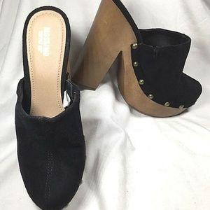MOSSIMO Clogs 6M Black Platform Heels